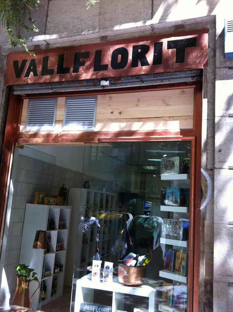 La porta de la botiga Vallflorit (Foto: Hiroshi Tsunoda)